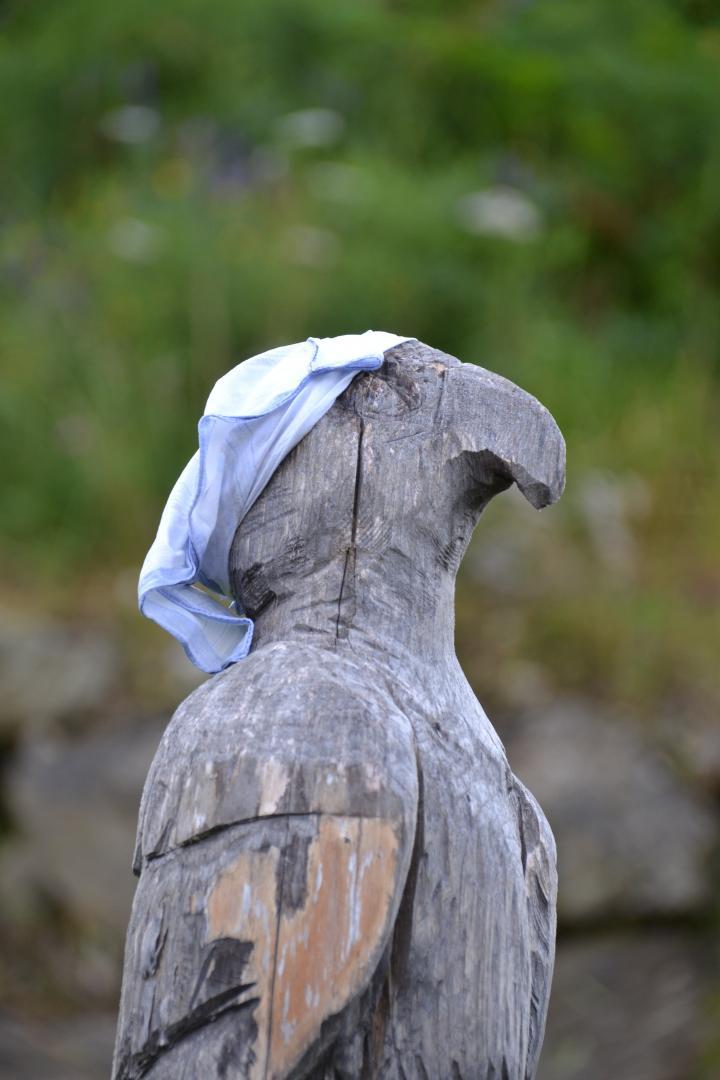Breitenbach_Annemarie_Geschnitzter Adler aus Holz