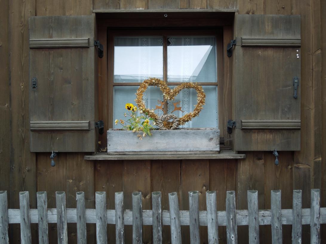 Leuner_Jürgen_Fenster mit Herz
