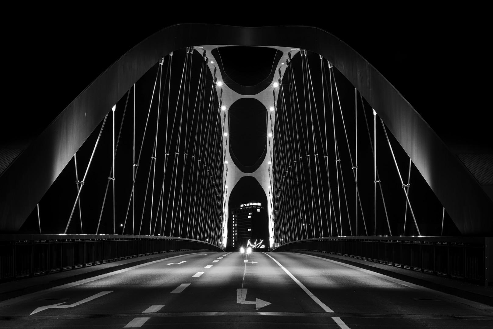 Bernd Ullrich, Osthafenbrücke Frankfurt