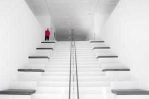 Treppe mit Mann